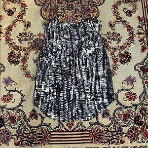 Mossimo black and white sleeveless top